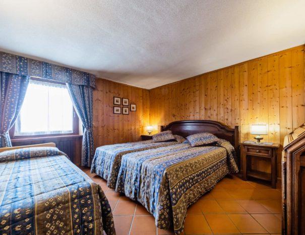 camera matrimoniale con letto supplementare - hotel cervinia vicino piste da sci