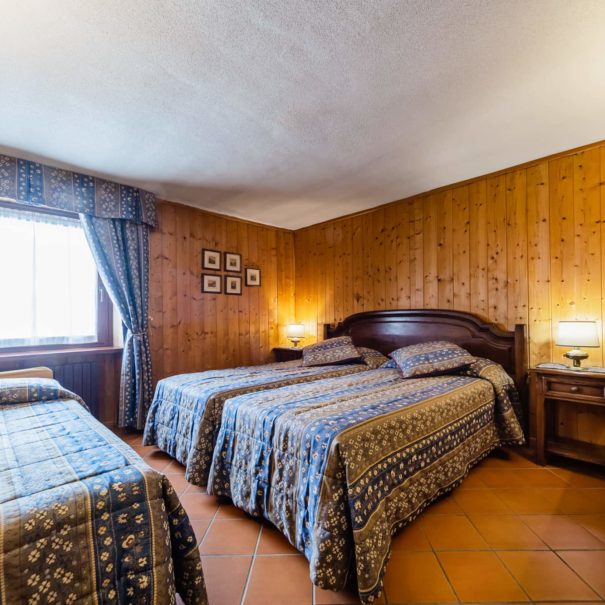camera matrimoniale con letto supplementare - hotel cervinia vicino piste da sci