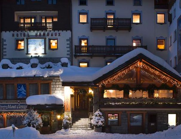 hotel-cervinia-jumeaux-inverno